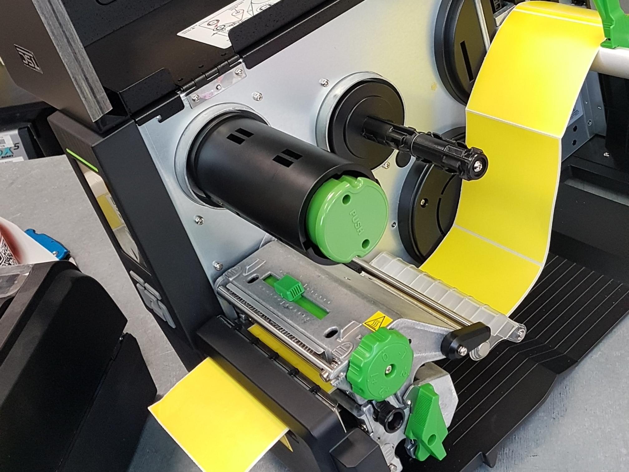 machine imprimante étiquettes thermiques
